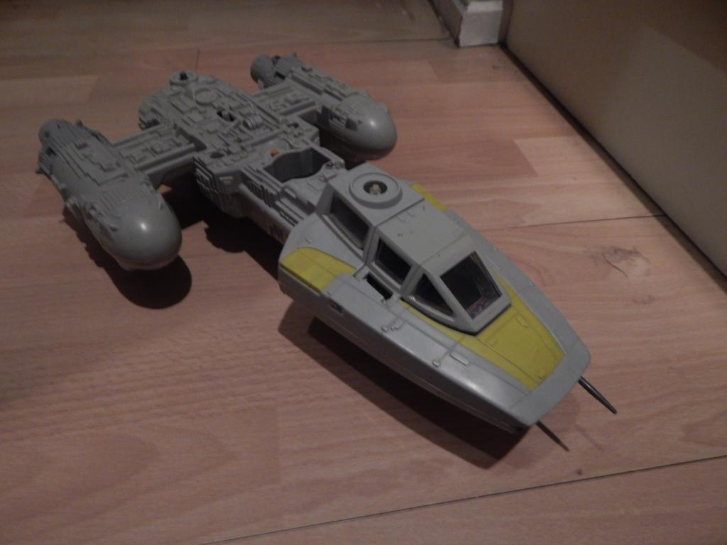 Few variant ships Ledy and Palitoy? 006_zps024510e8