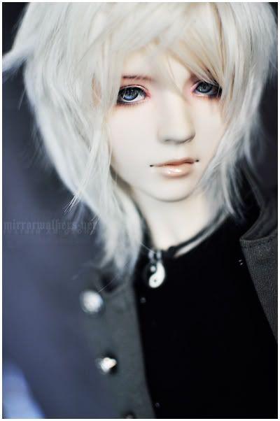 Anyone good at creating look-alikes eyes and hair? Like_the_sea_after_a_storm_by_hiritai