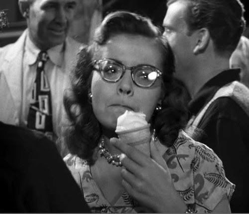 Alfred Hitchcock Strangers7Miriamsicecream