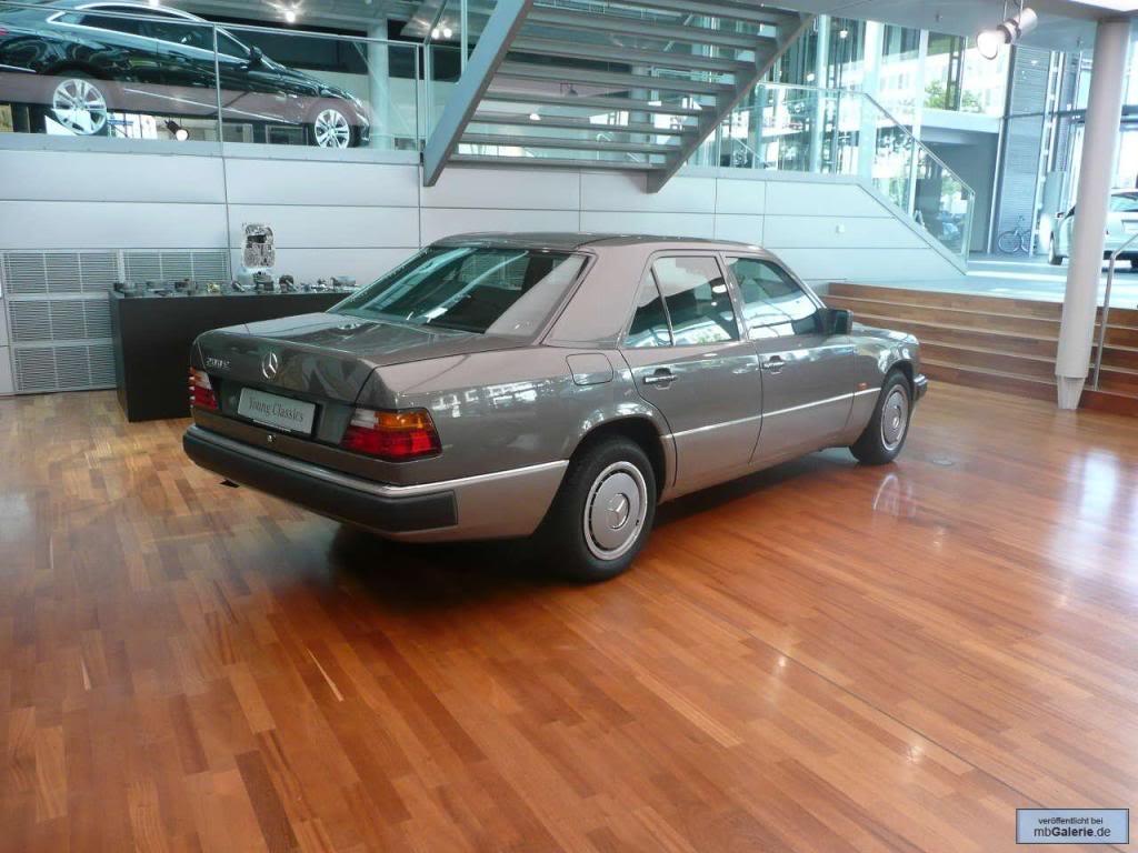 Young Classics - programa oficial de venda de carros antigos pela MB Mbgalerie_9872942_1