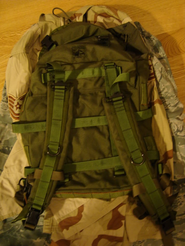 Eagle Industries radio pack DSC02996