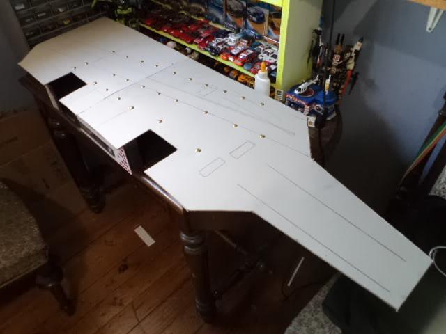 Inicio de un proyecto, no es vehículo es un portaaviones DSC03302
