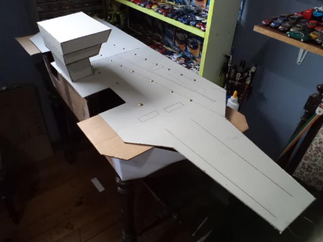 Inicio de un proyecto, no es vehículo es un portaaviones DSC03312