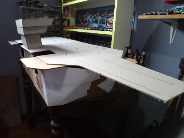 Inicio de un proyecto, no es vehículo es un portaaviones DSC03313
