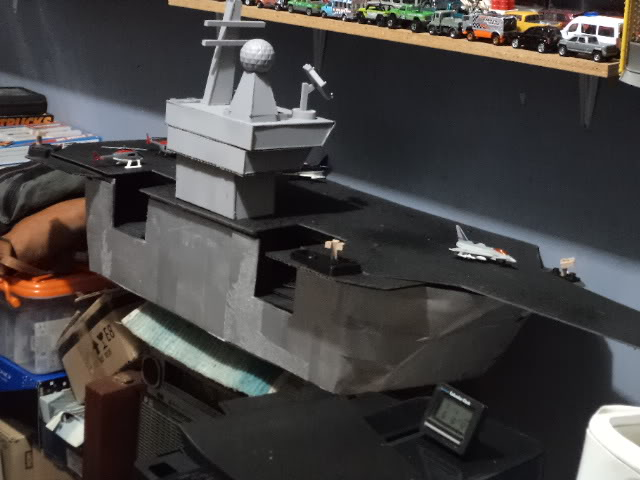 Inicio de un proyecto, no es vehículo es un portaaviones DSC03358