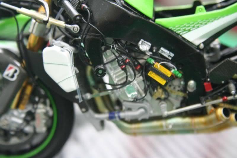 Kawasaki Ninja ZX RR 2006 Side01