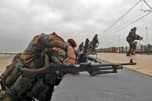 Armée Belge / Defensie van België / Belgian Army  Oostende_beachLanding002