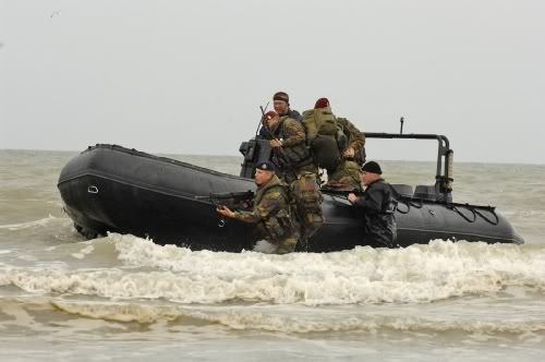 Armée Belge / Defensie van België / Belgian Army  Oostende_beachLanding003