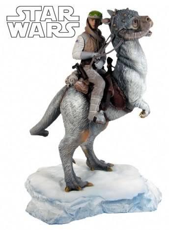 Luke Skywalker on Tauntaun Diorama LukeTauntaun