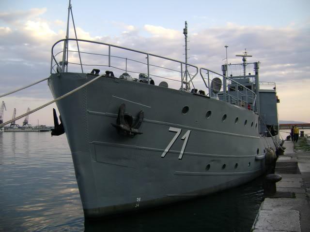 Vojni brodovi - Page 2 Picture2956