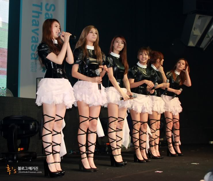 "After School >> Album Japones ""PlayGirlz"" - Página 16 111105-AfterSchoolatclubANSWERforSamanthaThavasaCelebrityNight-4"