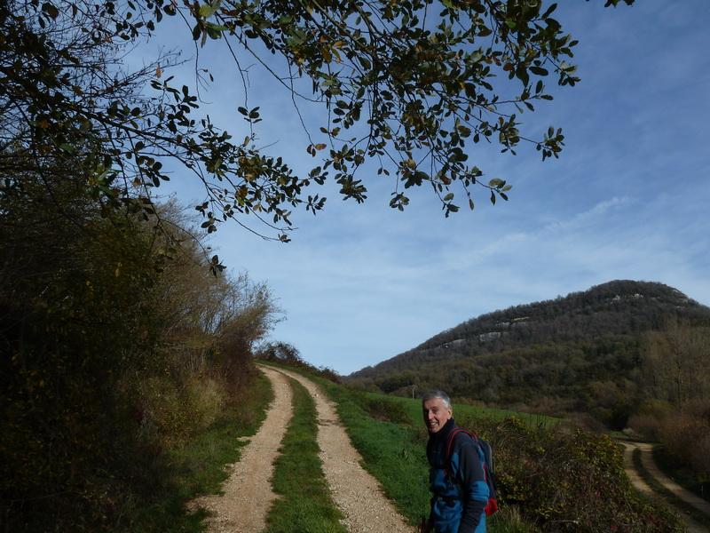 MENDIBIBILA Y ARBURU (Por los peñascos de Sabando) P1120124_resize