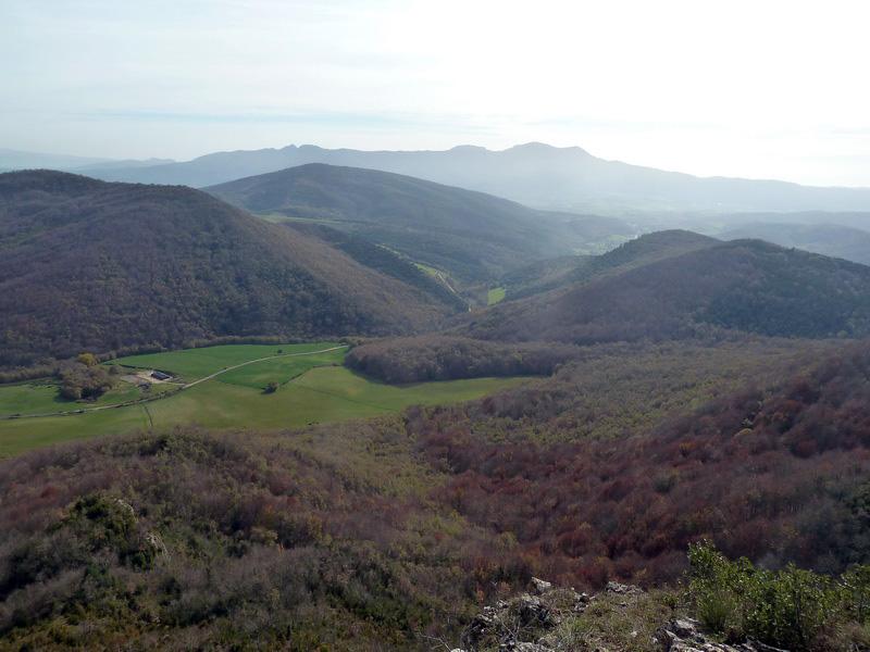 MENDIBIBILA Y ARBURU (Por los peñascos de Sabando) P1120139_resize