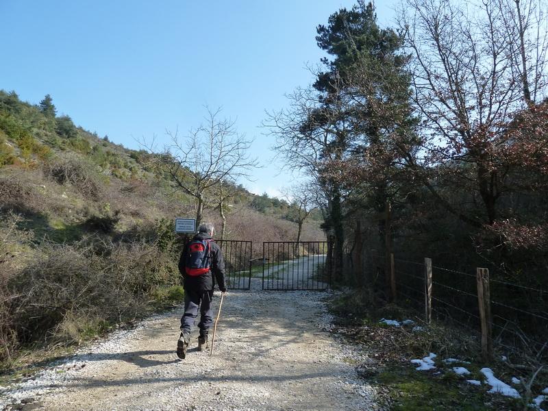 EGULBATI (Nieve y tranquilidad en el valle de Egüés) P1120500_resize