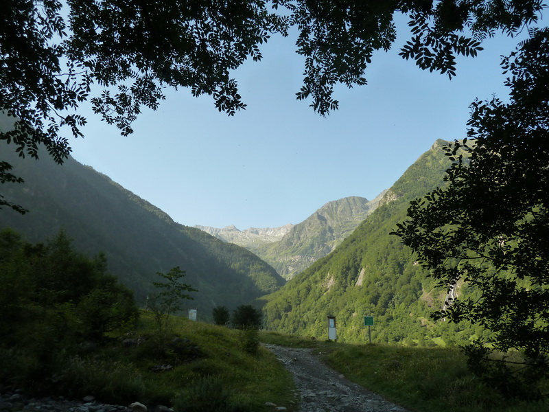 LAGO DE OO (Una postal del Pirineo) P1110791_resize