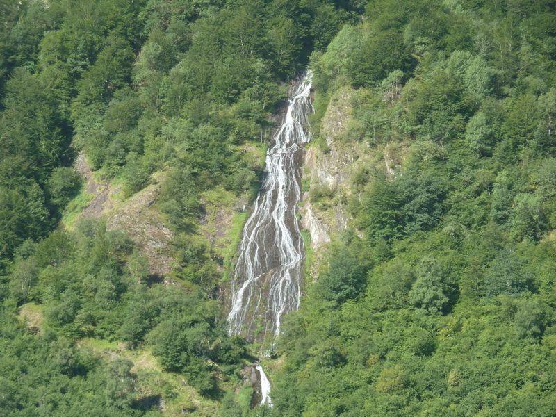 LAGO DE OO (Una postal del Pirineo) P1110793_resize
