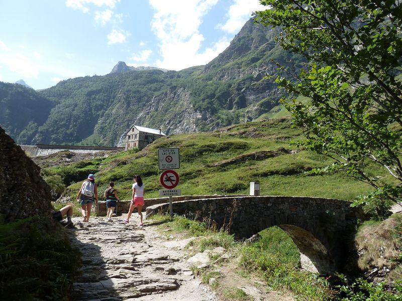 LAGO DE OO (Una postal del Pirineo) P1110800_resize