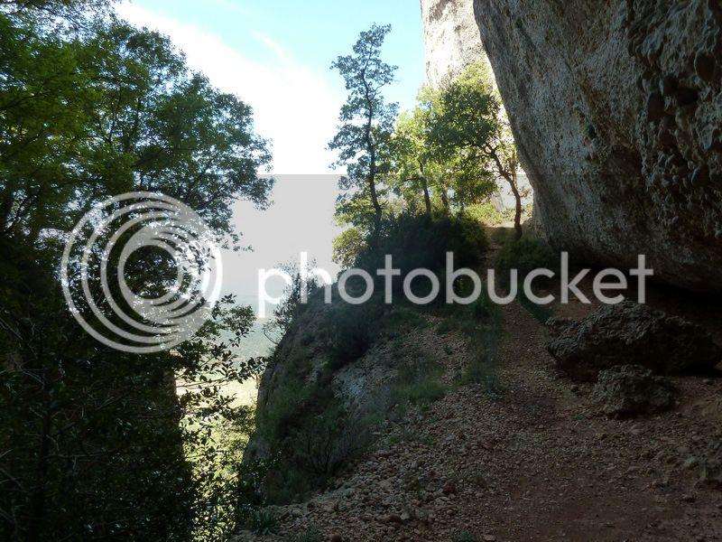 ROCA FALCONERA (El paseo de las águilas en el Montsant) P1100026_resize