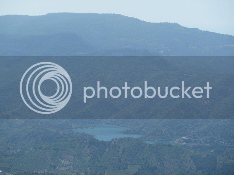 ROCA FALCONERA (El paseo de las águilas en el Montsant) P1100050_resize