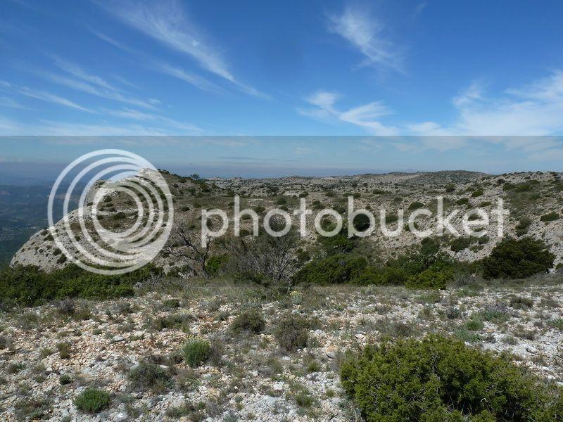 ROCA FALCONERA (El paseo de las águilas en el Montsant) P1100051_resize