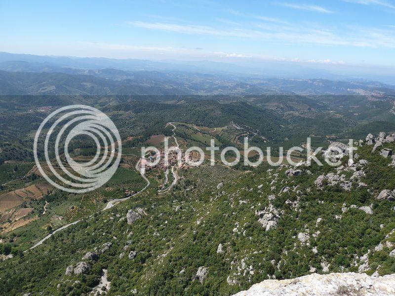 ROCA FALCONERA (El paseo de las águilas en el Montsant) P1100058_resize