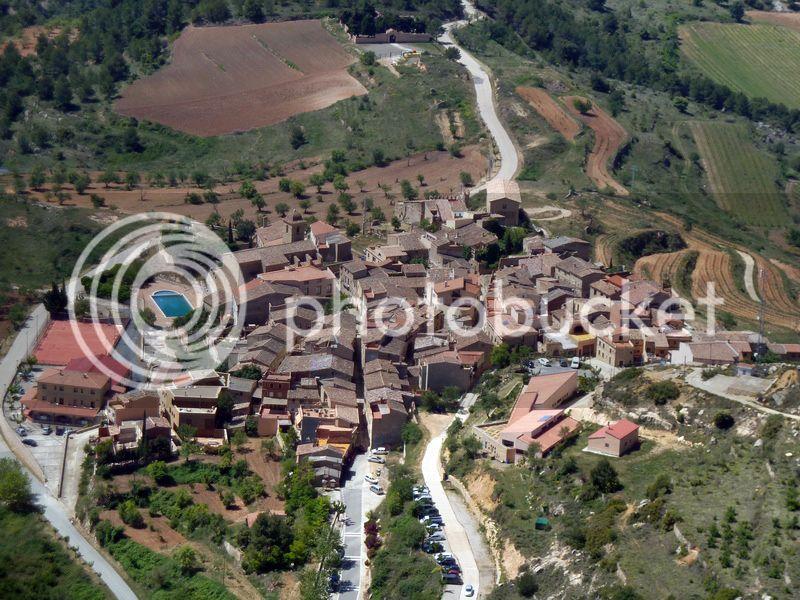 ROCA FALCONERA (El paseo de las águilas en el Montsant) P1100059_resize