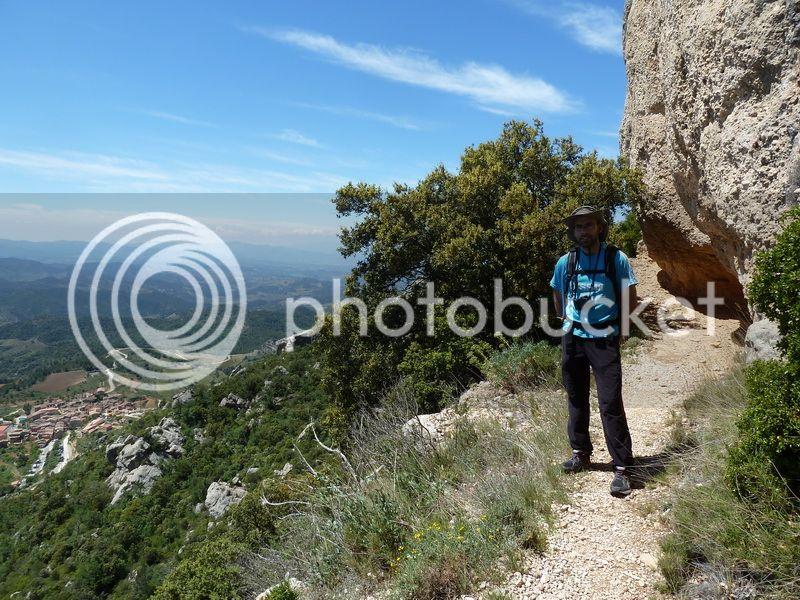 ROCA FALCONERA (El paseo de las águilas en el Montsant) P1100064_resize