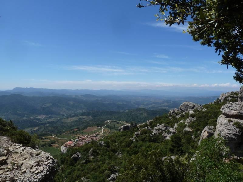 ROCA FALCONERA (El paseo de las águilas en el Montsant) P1100065_resize