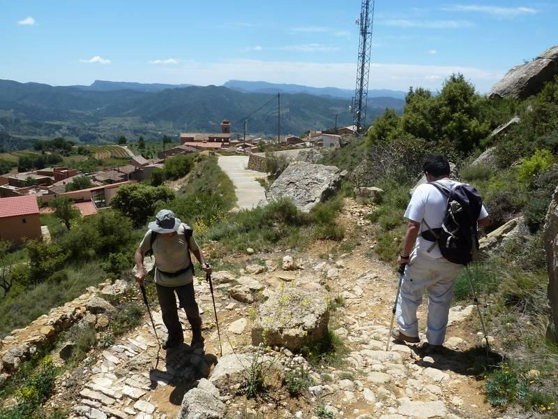 ROCA FALCONERA (El paseo de las águilas en el Montsant) P1100072_resize