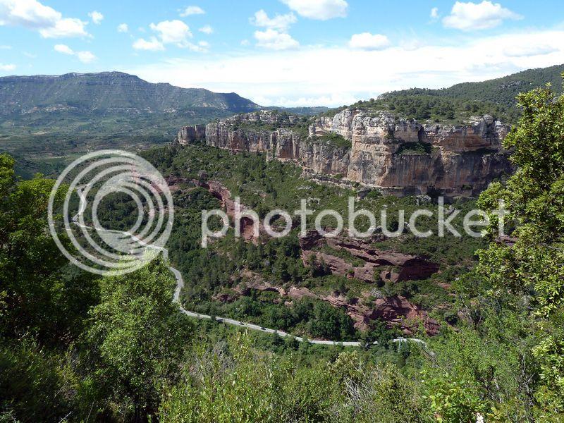 ROCA FALCONERA (El paseo de las águilas en el Montsant) P1100082_resize