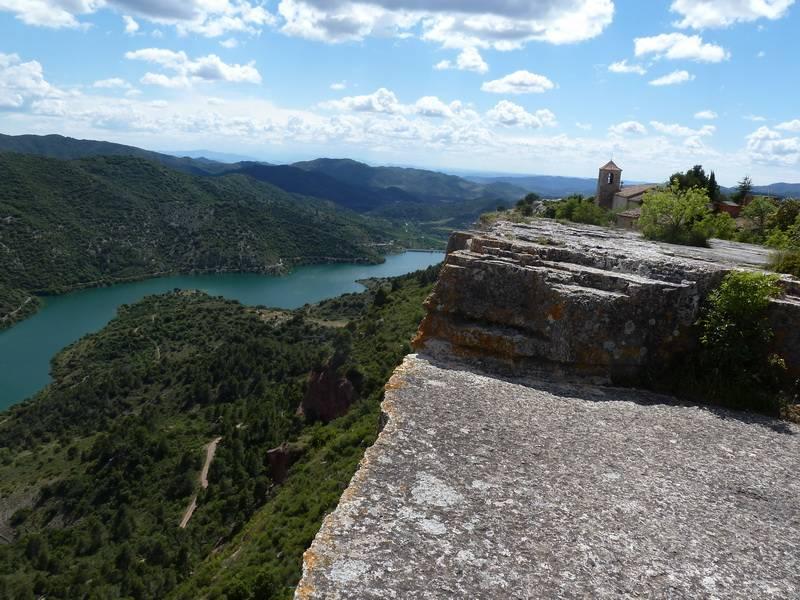 ROCA FALCONERA (El paseo de las águilas en el Montsant) P1100085_resize
