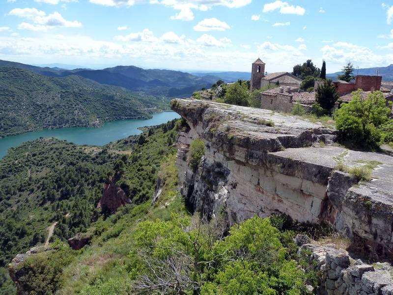 ROCA FALCONERA (El paseo de las águilas en el Montsant) P1100086_resize