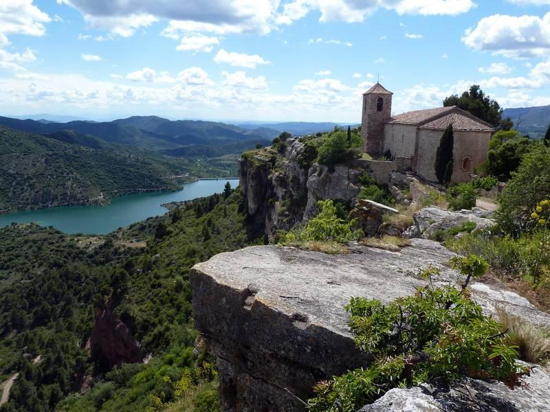 ROCA FALCONERA (El paseo de las águilas en el Montsant) P1100089_resize