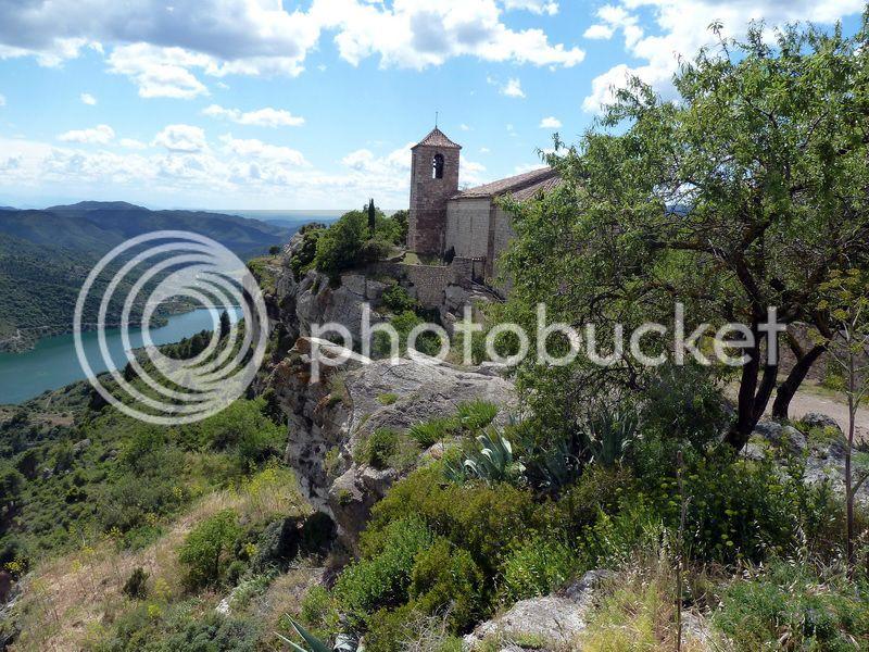 ROCA FALCONERA (El paseo de las águilas en el Montsant) P1100090_resize