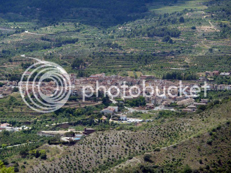 ROCA FALCONERA (El paseo de las águilas en el Montsant) P1100092_resize