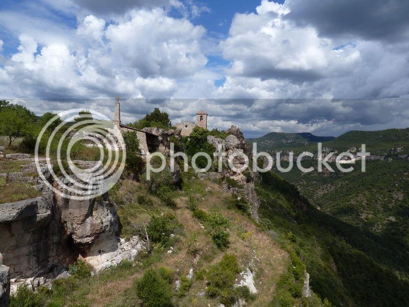 ROCA FALCONERA (El paseo de las águilas en el Montsant) P1100095_resize