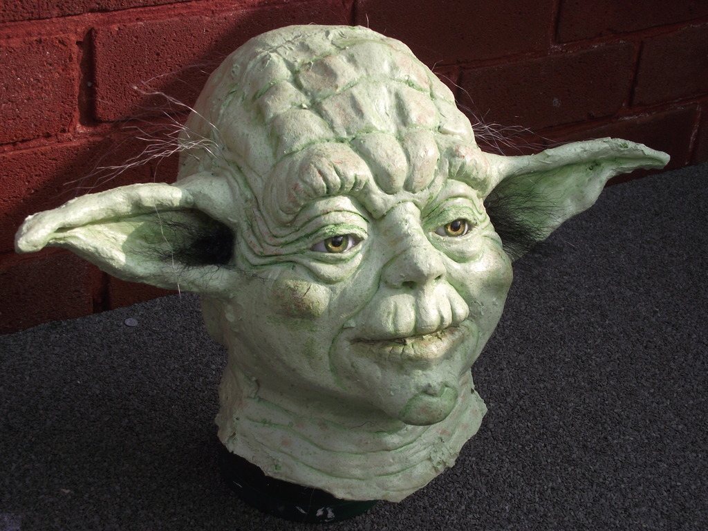my yoda bust and other props DSCF5704_zpsf0wthf2k