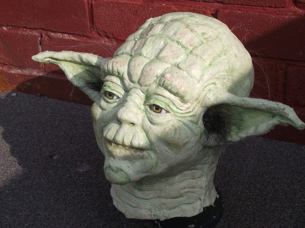my yoda bust and other props DSCF5705_zpsqgubz7rq