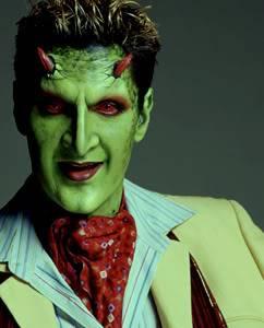 1x02.1 Halloween Prom Lorne1