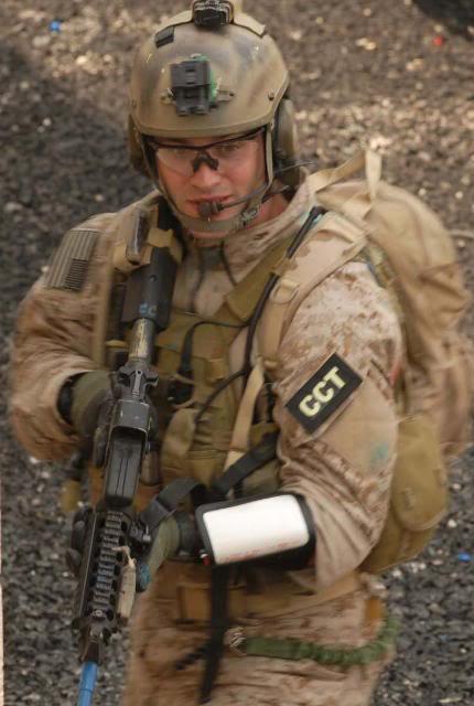 AOR1/Digi2   NSW/DEVGRU Exclusive desert camouflage by Crye Precision 205paj9