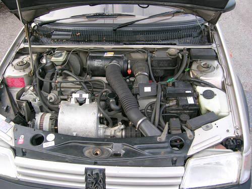 Peugeot 205 Gentry... Otra edicion especial de GTI 1418810