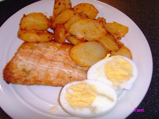Salmão com batatas temperadas no forno Foto1001