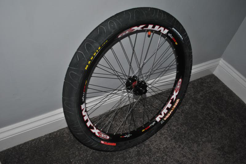 Neumáticos 3.0 en una Trek 4900? DSC_0004_zps6fbc3415