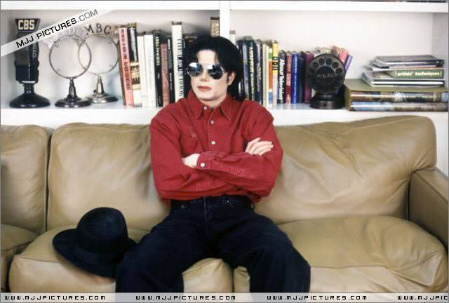 Pictures of MJ - Page 5 005