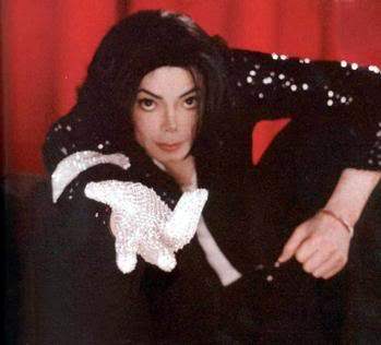 Pictures of MJ - Page 3 Michael_jackson_glove_2005-03-30
