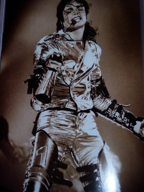 The Official Michael Jackson Opus 100_1512