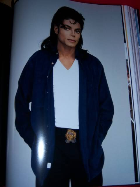The Official Michael Jackson Opus 100_1527