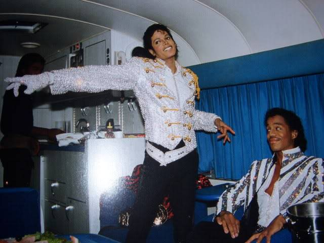 The Official Michael Jackson Opus 100_1531