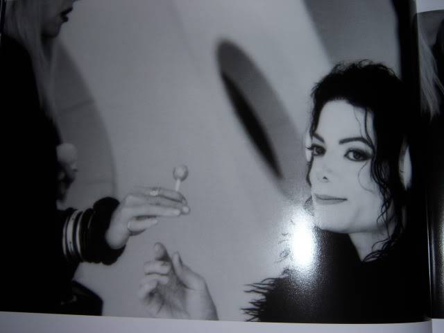 The Official Michael Jackson Opus 100_1547