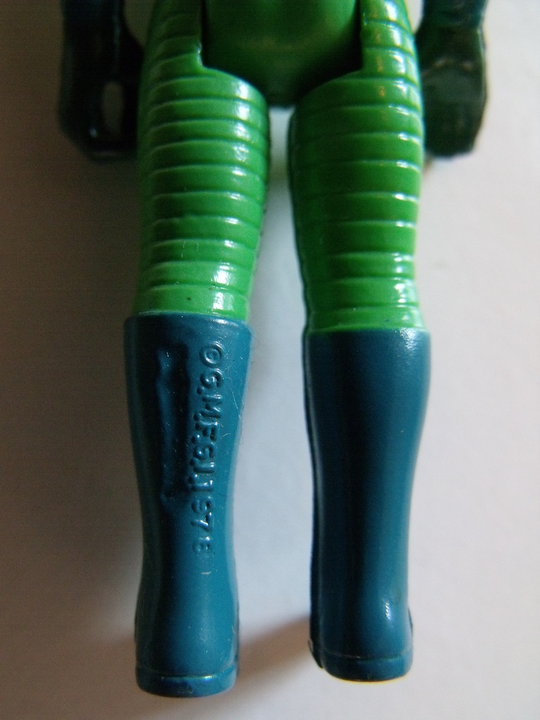 Question for the variant experts about Greedo with blue boots 30%204%2012%20231_zpslvkrib71